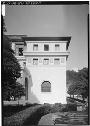 West Front, South End