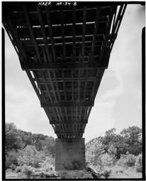 View, Looking West, Showing Floor Beam-stringer System Of East Span And Center Concrete Pier