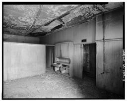 22 South Sixth: West (rear) Room Of The Second Floor Apartment, Looking Southeast